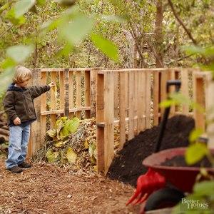 Pallet compost bin
