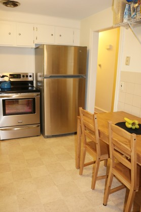 new-appliances-and-dining-area