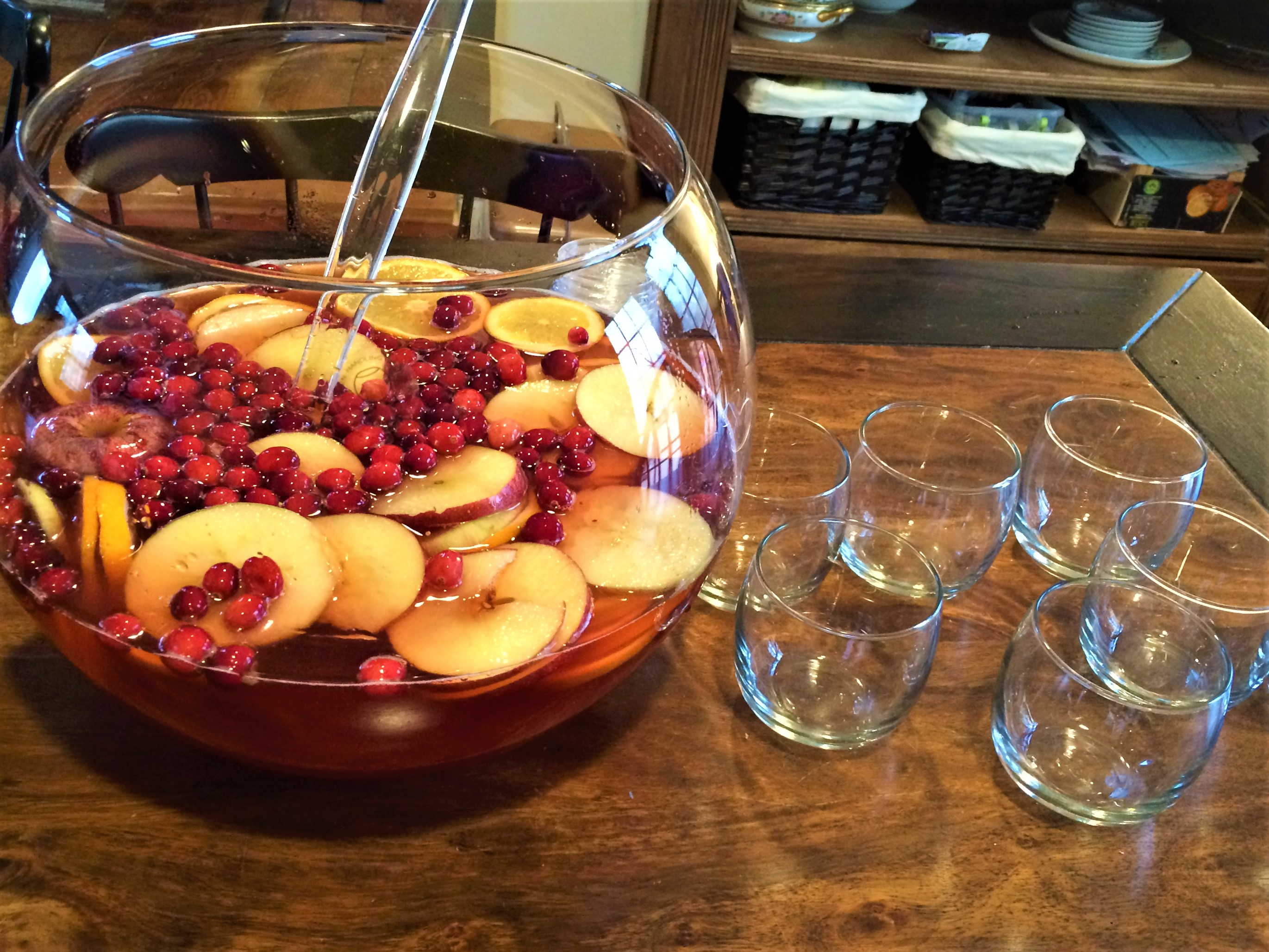 cranberry-apple-whiskey-punch
