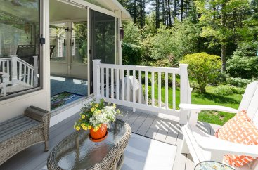 88 Slater Street beautiful deck for relaxing