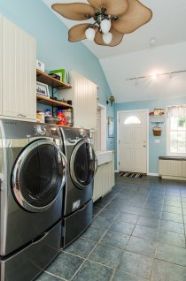 88 Slater Street laundry and mudroom