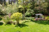 88 Slater Street lush landscaping