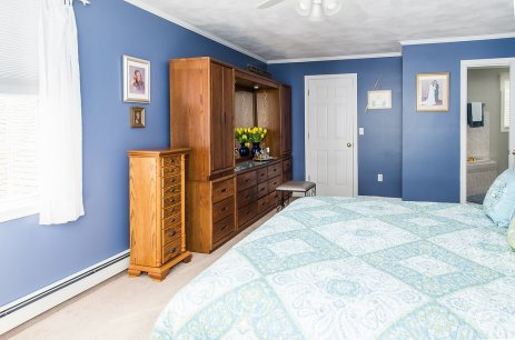 88 Slater Street master suite with walk in closet and full bath