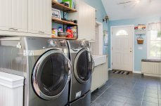 88 Slater Street mudroom and luxurious laundry