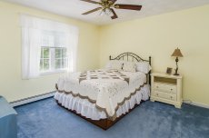 88 Slater Street spacious bedroom with ceiling fan