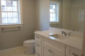 12 Prairie main bath