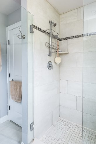 81 Avalon Drive tile and glass shower