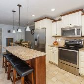 Eat-in kitchen with island Unit 26, Mill Stream Village